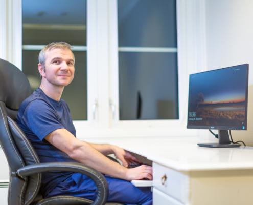 Martin Sørensen ved skrivebord